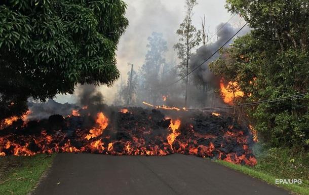 Вулкан на Гавайях уничтожил десятки домов