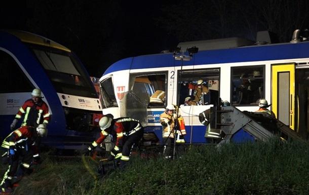 В Германии столкнулись два поезда, есть жертвы