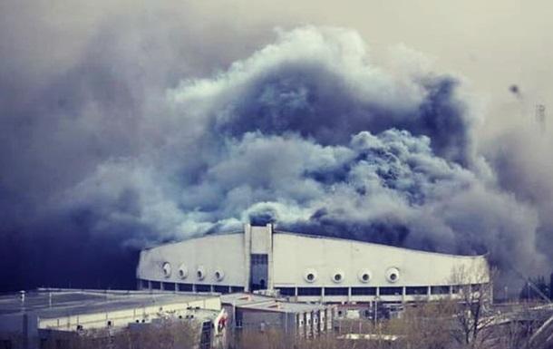 В российском Красноярске сгорел Дворец спорта