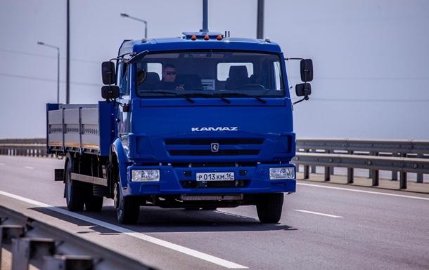 У Керченского моста РФ испытала беспилотные Камазы