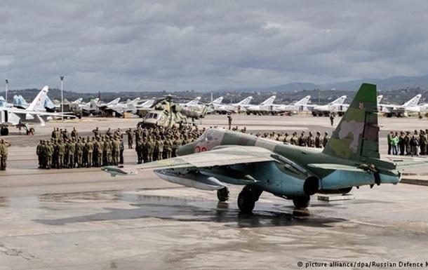 Россияне ходили парадом по своей авиабазе в Сирии