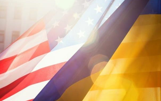 Америка наращивает военную помощь Украине