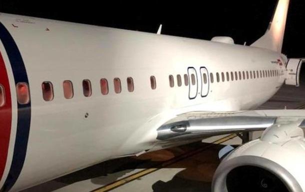 В аэропорту Львова экстренно сел самолет