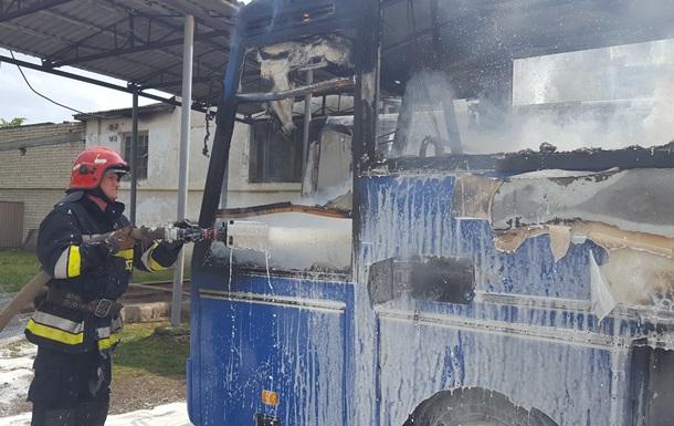 На Буковине сгорел пассажирский автобус
