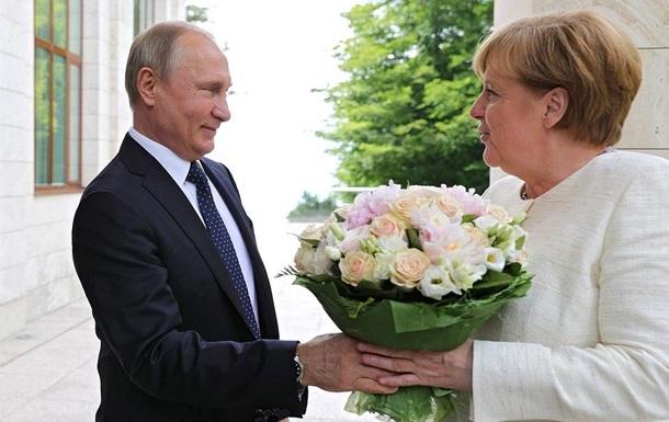 Путін і Меркель обговорили транзит газу по Україні