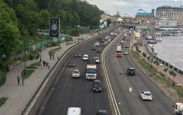 В Киеве открыли движение по Набережному шоссе
