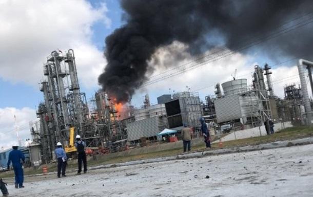При пожежі на заводі в США постраждали понад 20 людей