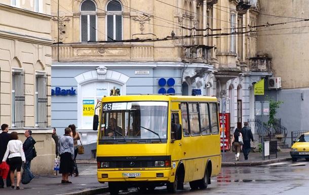 Во львовской маршутке умер пассажир