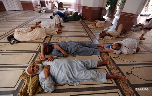 В Пакистане от жары погибли десятки людей
