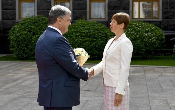 Порошенко зустрівся з президентом Естонії