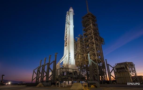 SpaceX запустила Falcon 9 с семью спутниками