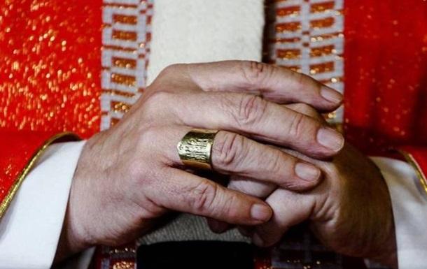 В Чили за сексуальные домогательства отстранили 14 священников