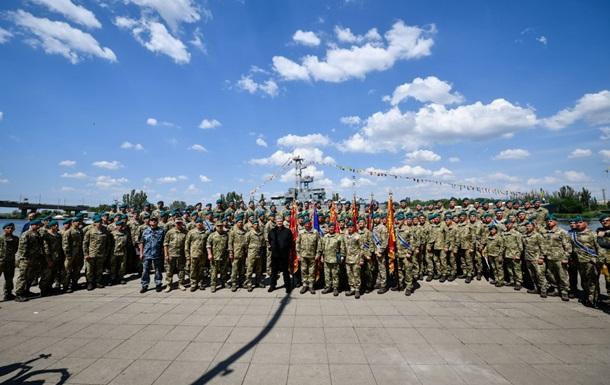 Порошенко подписал указ о переименовании ВДВ