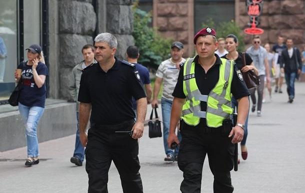 Порядок в Києві охороняє десять тисяч силовиків