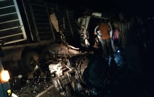 При ДТП в Уганде погибли 19 человек