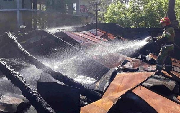 Пожежу в столичному кінотеатрі Екран загасили