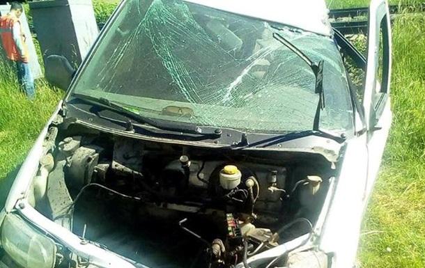 В Одесской области Nissan столкнулся с поездом, есть жертвы