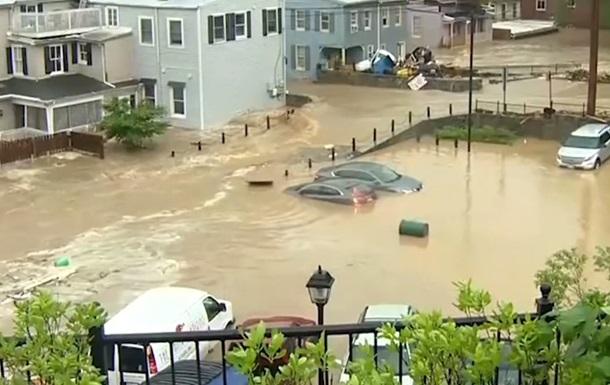 У США через сильні дощі затопило місто