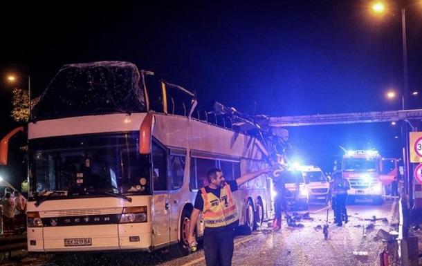 В Венгрии украинцы попали в ДТП: 27 пострадавших