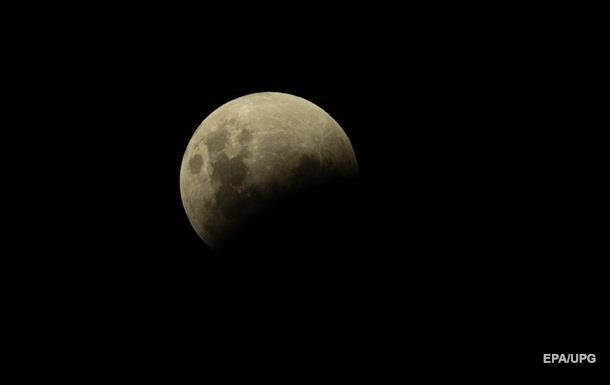 Летом украинцы увидят редкое лунное затмение