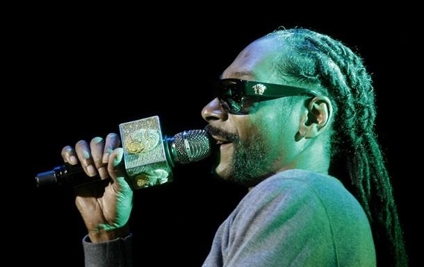 Snoop Dogg приготовил гигантский коктейль и установил рекорд