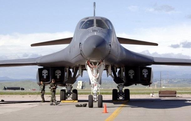 США перекинули до Європи три бомбардувальники