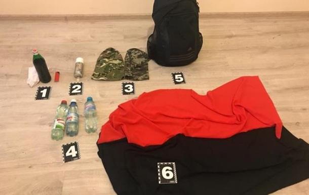 В Мукачево задержали киевлян с масками и  коктейлями Молотова