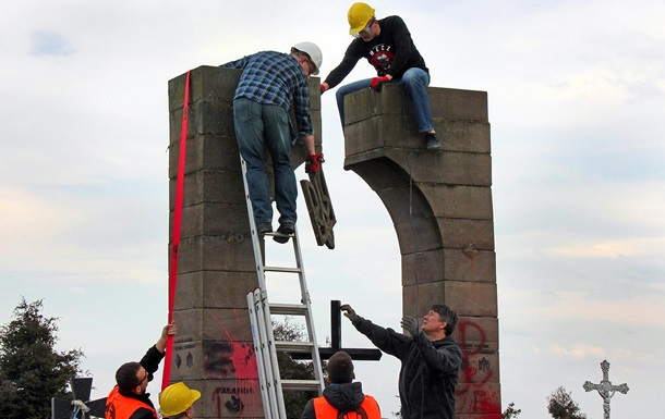 Польско-украинский конфликт: могилы в качестве дубины