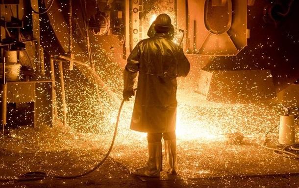 Макрон назвав незаконними мита США на сталь і алюміній з ЄС