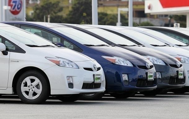 В Украине снизились продажи авто