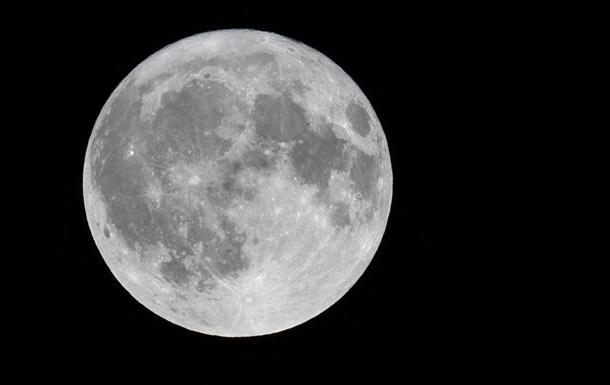 SpaceX відклала політ космічних туристів до Місяця – ЗМІ