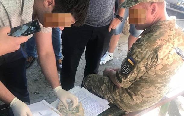 Военный попался на взятке за участие в миротворческой миссии в Конго