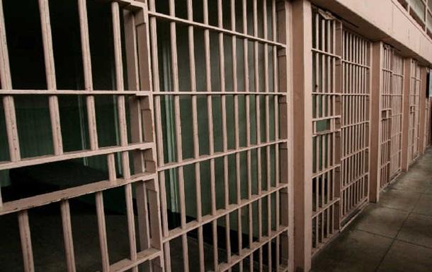 З в язниці в Нігерії втекли дві сотні в язнів