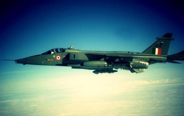 В Індії розбився бойовий літак, пілот загинув