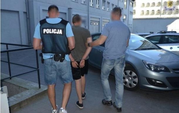 В Польше задержали пьяного украинца, разъезжавшего на авто по пирсу