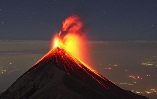 В Гватемале объявили срочную эвакуацию из-за извержения вулкана