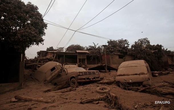 Почти 200 гватемальцев пропали во время извержения вулкана