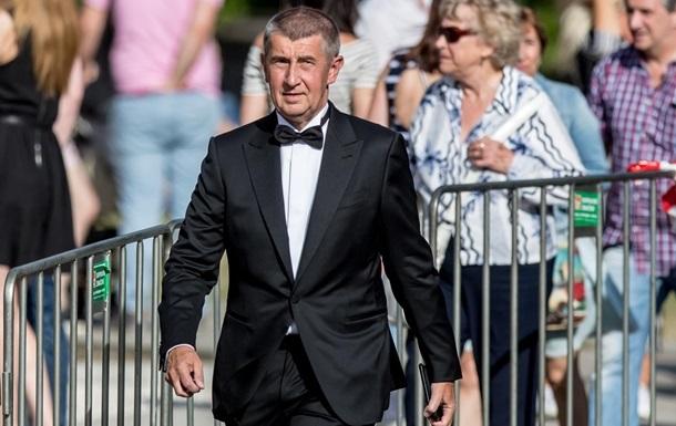 Премьер Чехии намерен судиться со Словакией