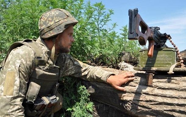 На Донбасі протягом дня поранені двоє військових