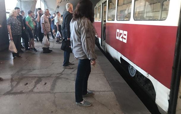 У Кривому Розі задимився трамвай