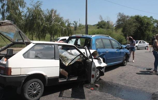 Під час ДТП в Запоріжжі загинуло подружжя, троє дітей постраждали