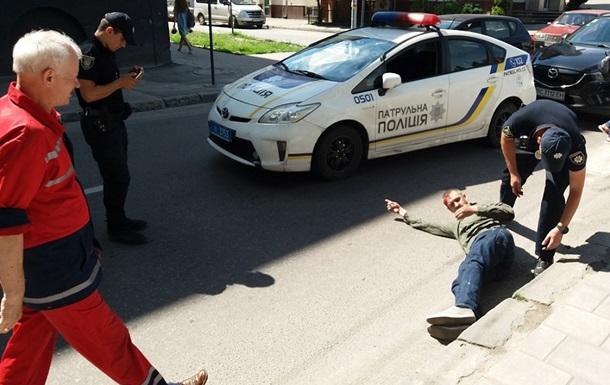 У Львові патрульні поліцейські збили пішохода