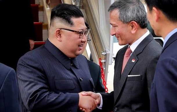 Почему Трамп и Ким прилетели в Сингапур раньше?