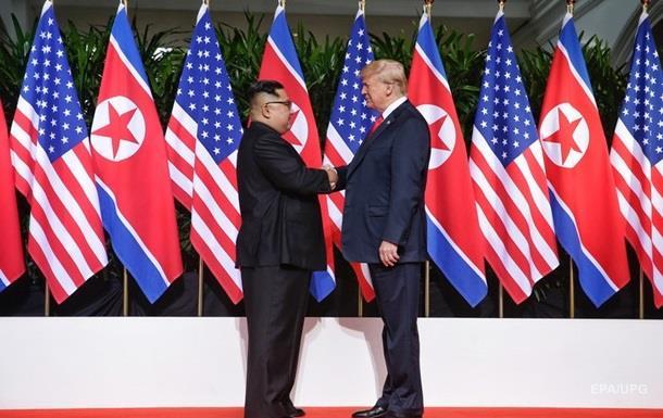 Завершилась личная встреча Трампа и Ким Чен Ына