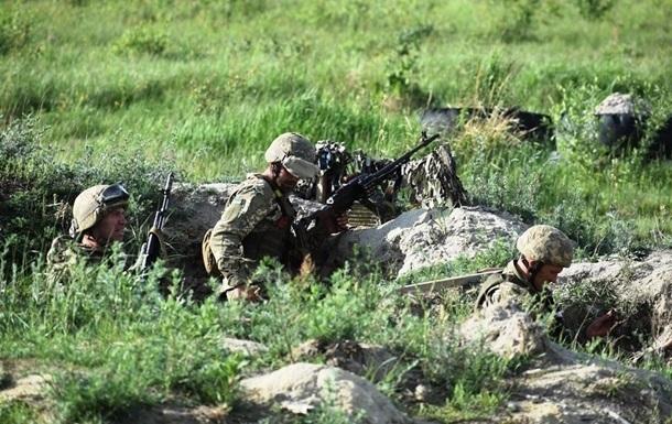 Доба в ООС: 27 обстрілів, троє поранених