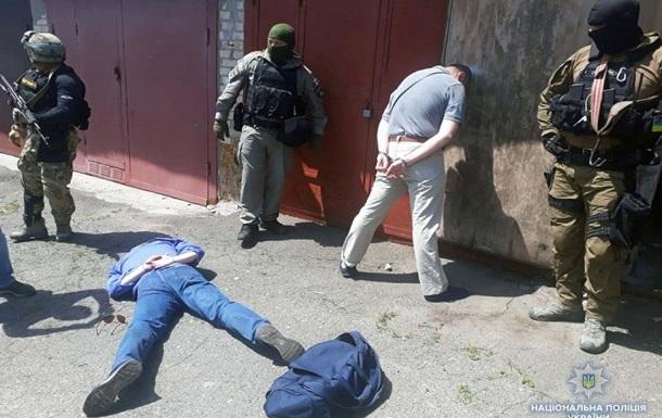 В Киеве задержали банду торговцев оружием