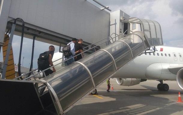 Украина выдала Франции фигуранта дела о перевозке более двух тонн кокаина