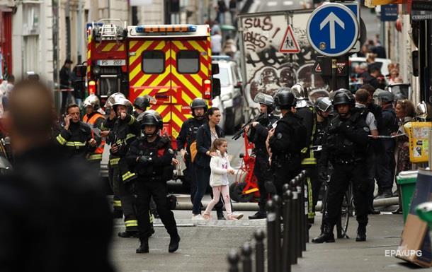 В Париже освободили захваченных заложников
