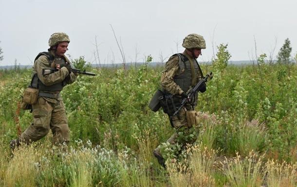 На Донбасі поранені два бійці