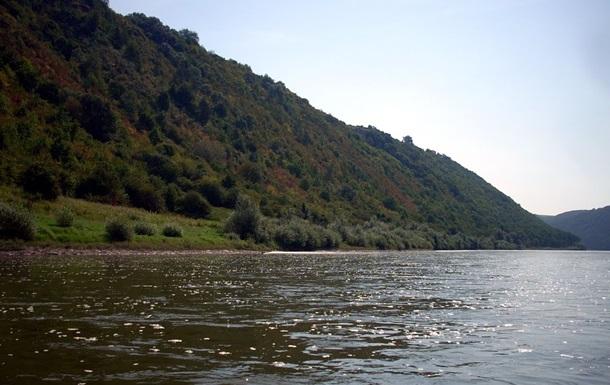 Мужчина утонул в Днестре, спасая троих детей